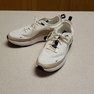 Ladies Nike AirMax DIA pale ivory/ Bio bg 9.5M